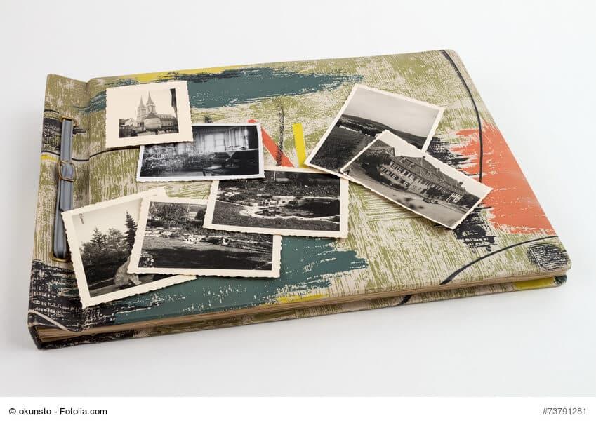 Buntes Fotoalbum Vintage mit Bildern oben